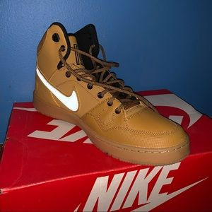 Son of Force Mid Winter Nike shoes